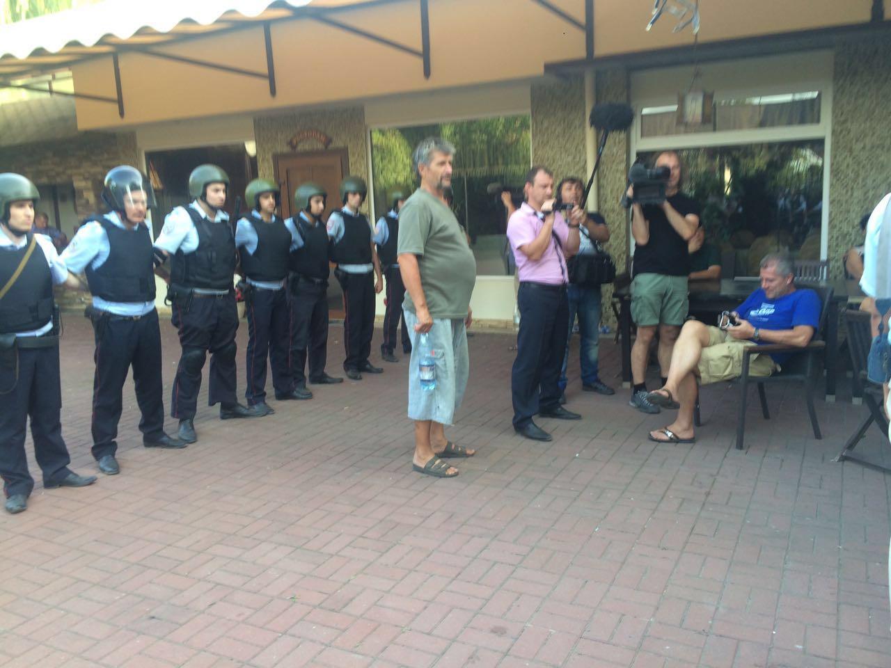 Участников тракторного похода на столицу задержала милиция