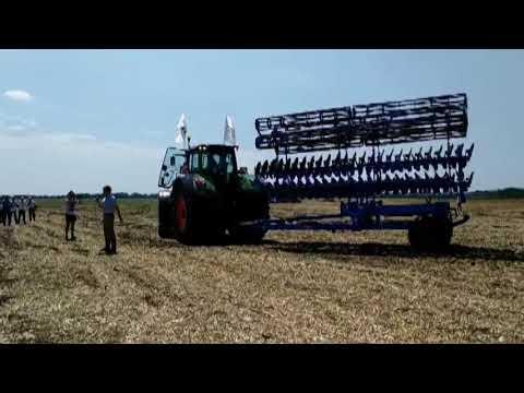 День поля Fendt & Valtra: полевая демонстрация техники для эффективного земледелия