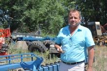 Как «ленивый» предприниматель наладил выпуск бороны, которая заменяет и дождь, и удобрения, и гербициды